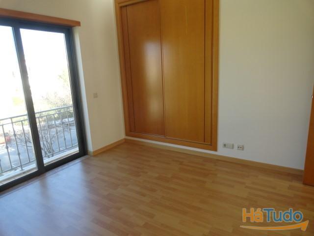 Apartamento T2 com Piscina à venda Faro