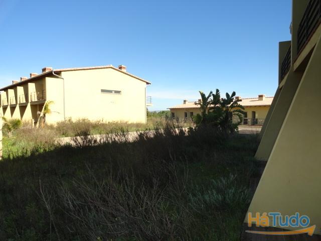 Terreno c/ construção à venda em Faro