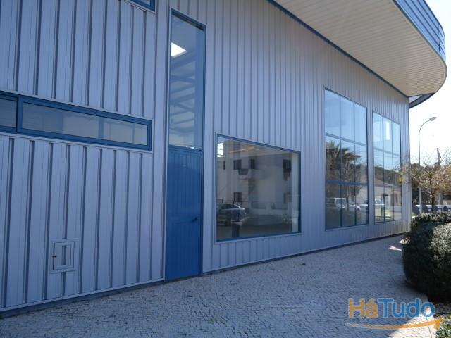 Armazém industrial em Faro