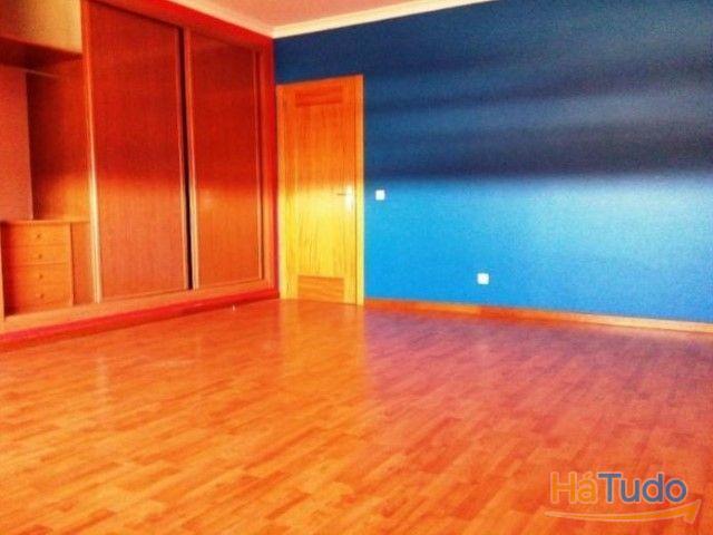 Apartamento T4 á venda em Faro