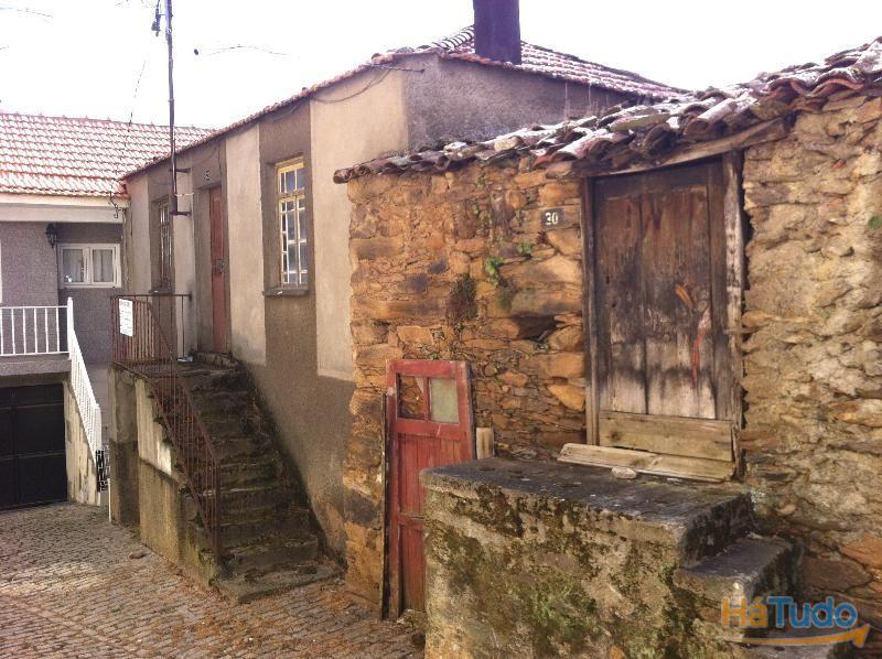 Casa para Recuperar - c/ projecto