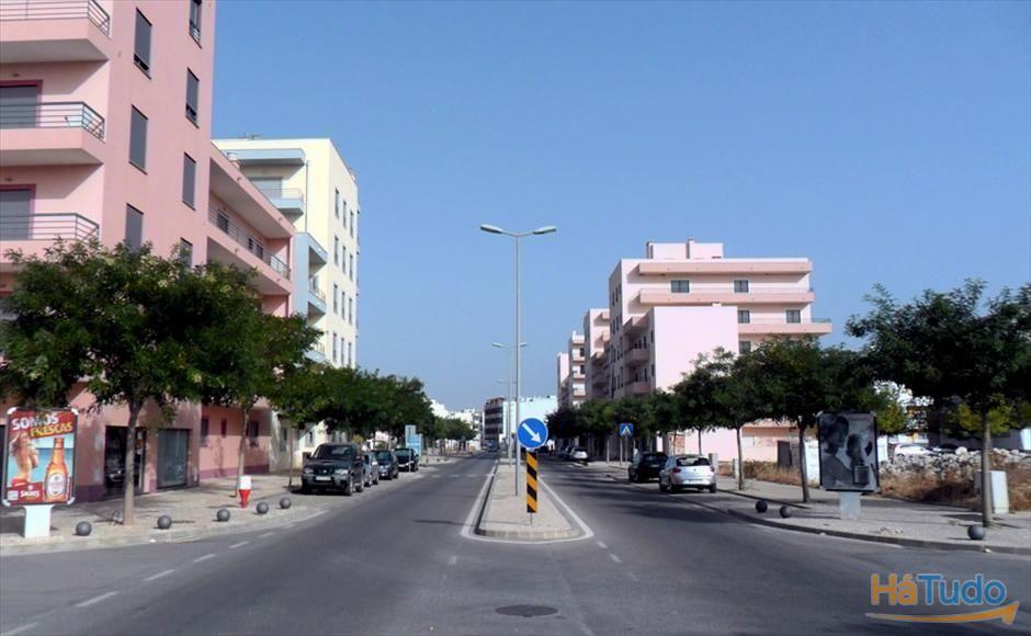 Terreno á venda em Faro