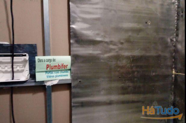 Instalação de chumbo para barreira radiológica