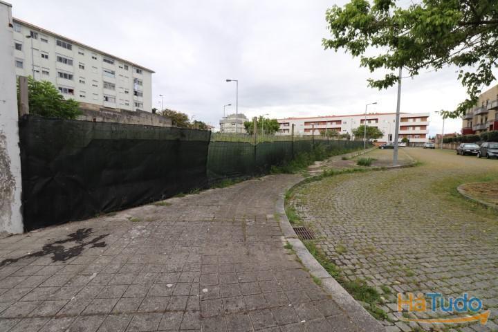 Terreno com 810 m2 em Campanhã