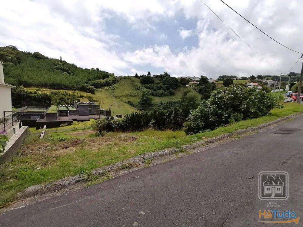 Ref. 2915151 - Lote -  Ilha de S. Miguel (Açores), Concelho da Povoação, Lomba do Cavaleiro.