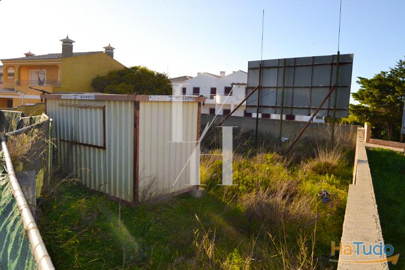 Terreno de construção com projecto aprovado