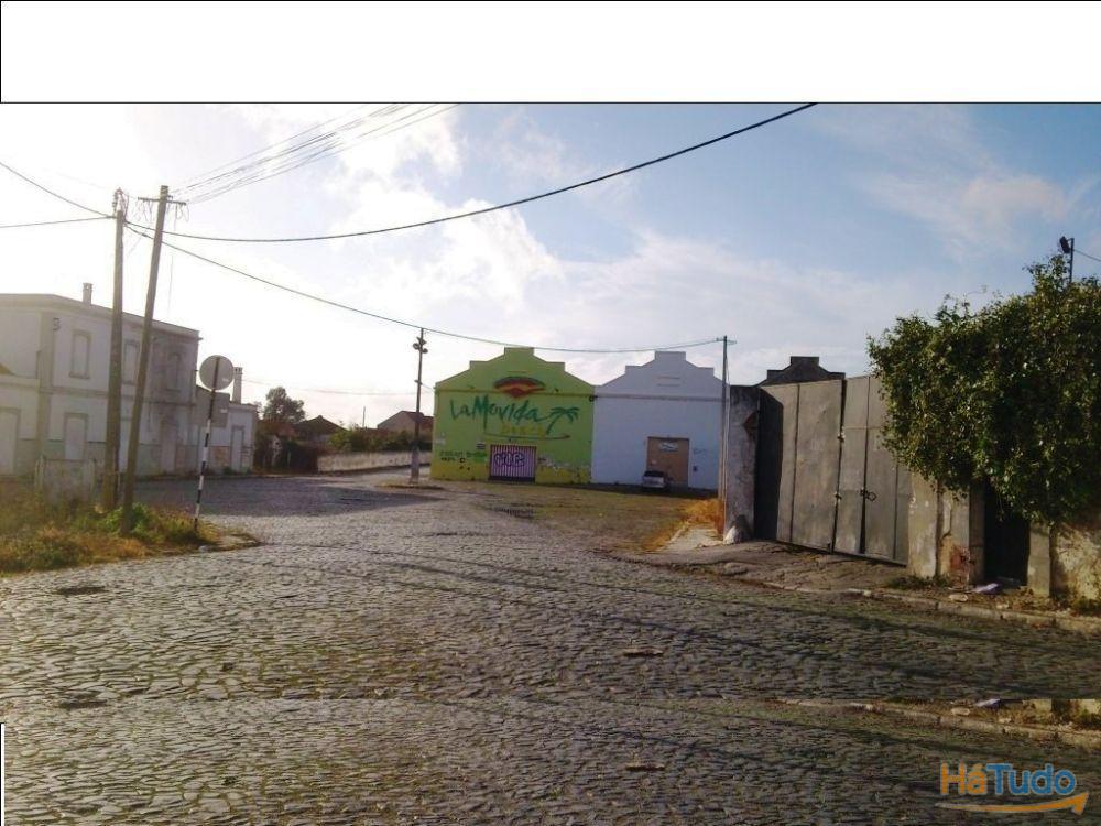 ARMAZÉM COM 400m2 – CENTRO DO MONTIJO
