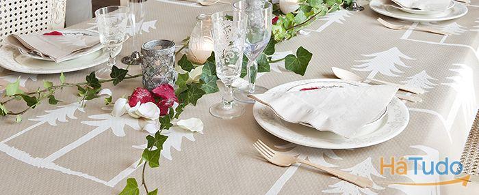 guardanapos e toalhas de mesa decorados