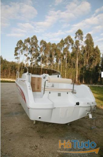 Embarcação Sport Cruiser 560